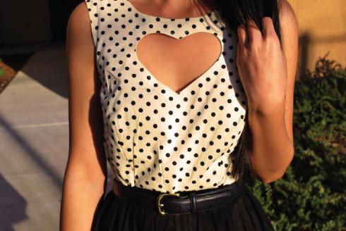 blusa com recorte de coração