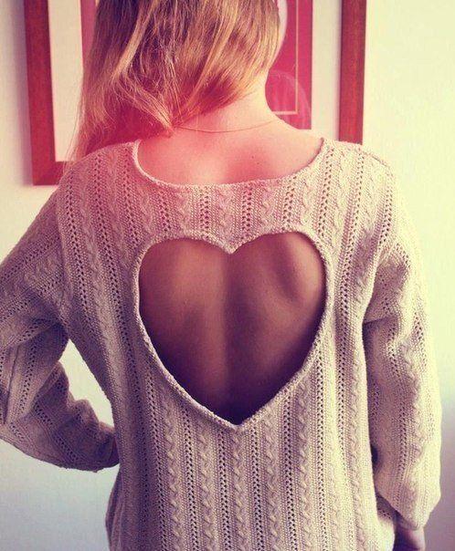 vestido com recorte de coração nas costas