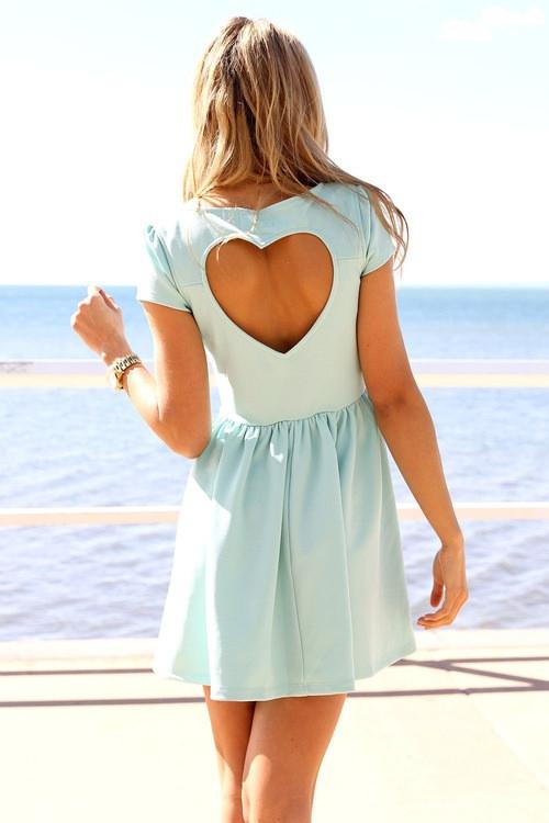 vestido com recorte de coração