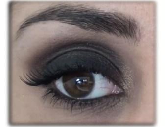 Maquiagem preta - olhos pretos esfumados
