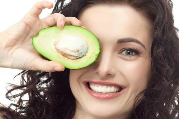receita com abacate para tratar pele seca