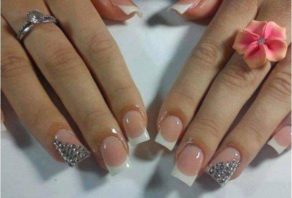 imagem de unhas decoradas para noivas