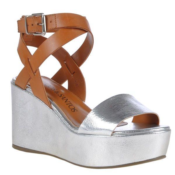 Tiras cruzadas entre as tendências de calçados verão 2015