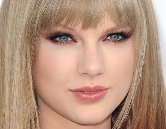 Combinar Maquiagem com Olhos Azuis