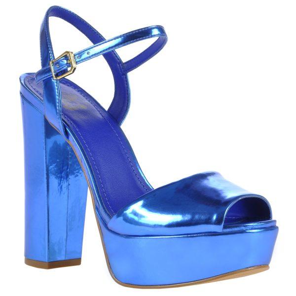 tendências de Metalizados entre os calçados verão 2015