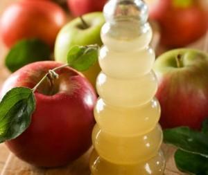 Loção de vinagre de maçã para acabar com caspa
