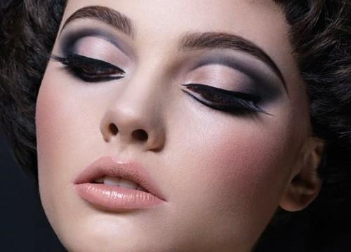 maquiagem com côncavo marcado