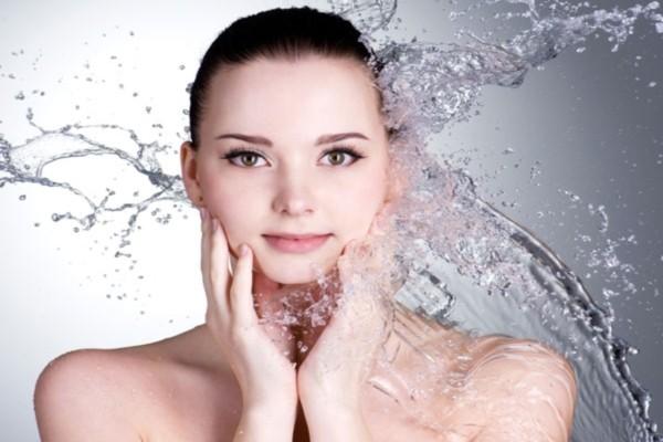 Tome banhos com água fria para obter um Bronzeado Perfeito