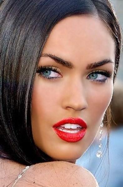 Maquiagem sensual com batom vermelho