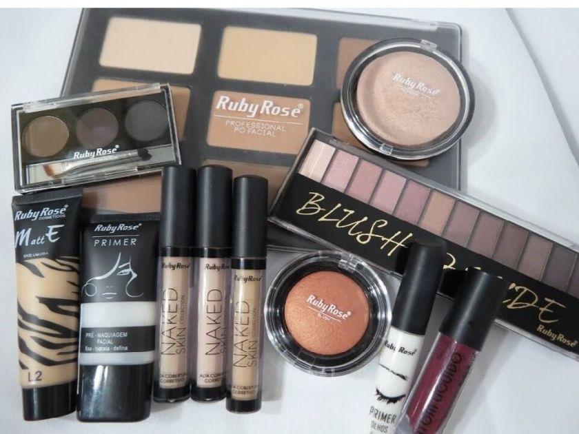 Produtos de maquiagem Ruby Rose