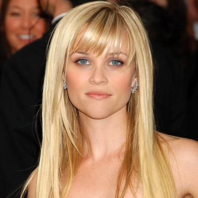Reese Witherspoon e penteados lisos