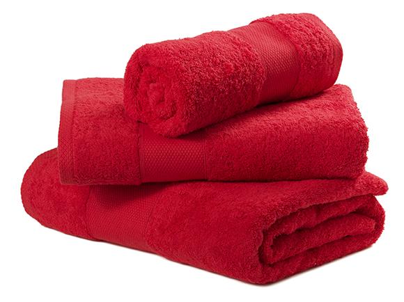passar roupa com uma toalha úmida