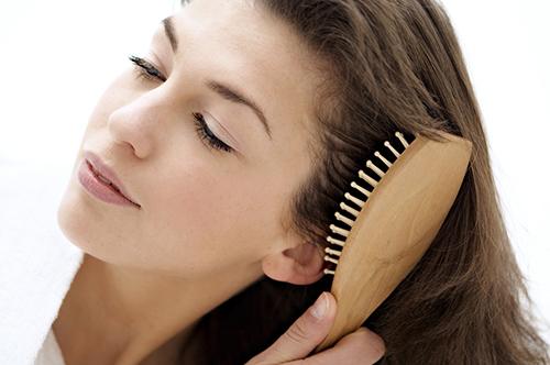 perfumar os cabelos