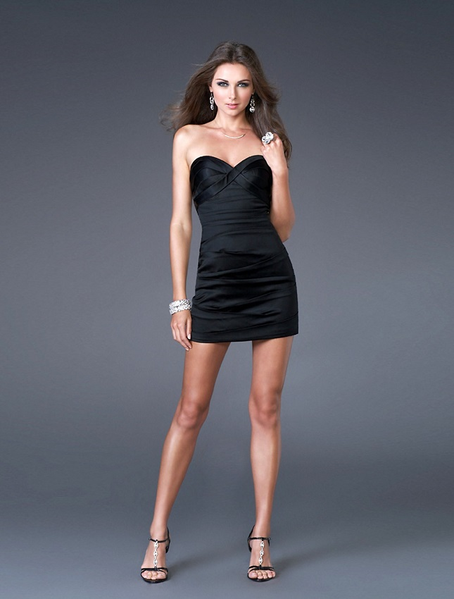 vestido pretinho básico