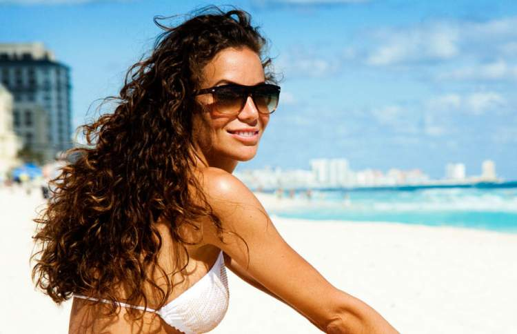 Cuidados antes de expor os cabelos aos danos ambientais