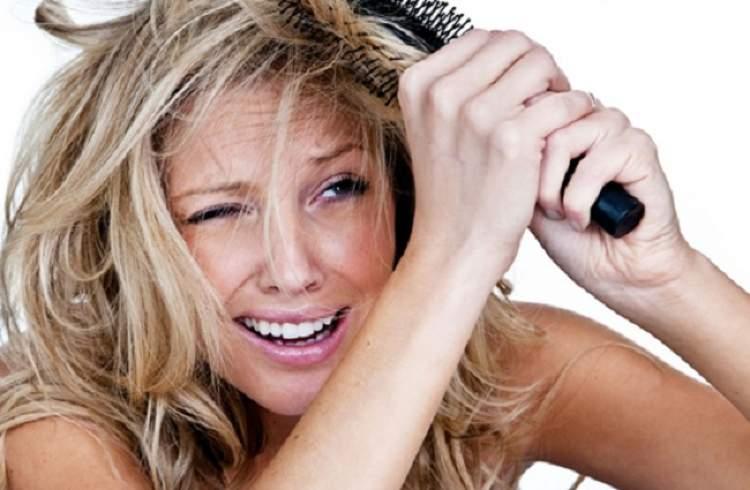 Escova errada detona o cabelo