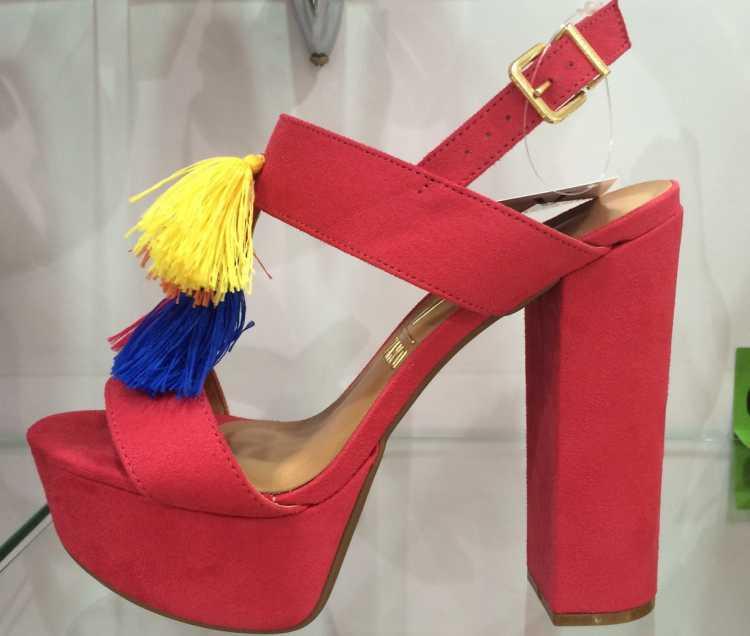 sapato exótico é uma das tendências em calçados verão 2017