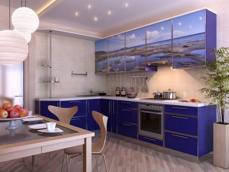 Cozinha com espaço para café