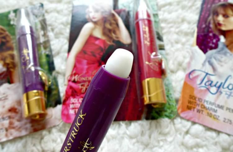 Caneta Perfumada Taylor, by Taylor Swift é um bom perfume para carregar na bolsa ou nécessaire