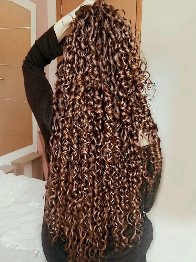 cabelo muito comprido