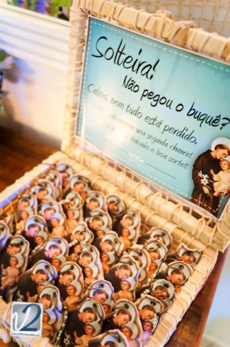 Lembrancinha de Casamento com a Imagem de Santo Antônio