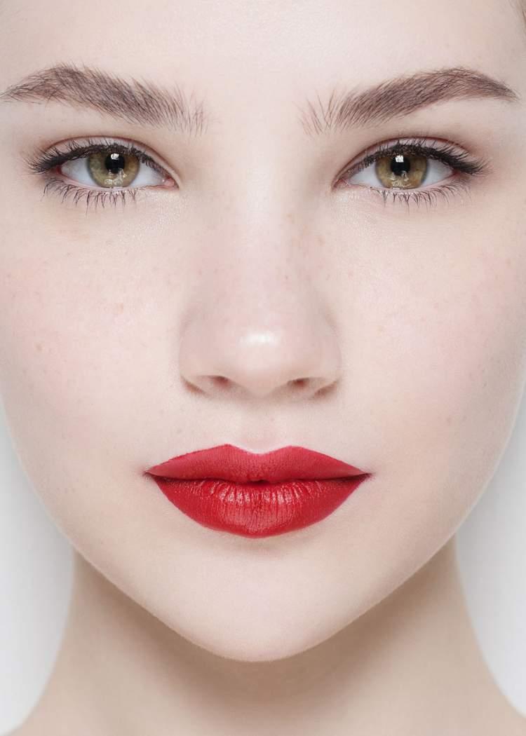 Dicas de maquiagem para quem tem olhos castanhos