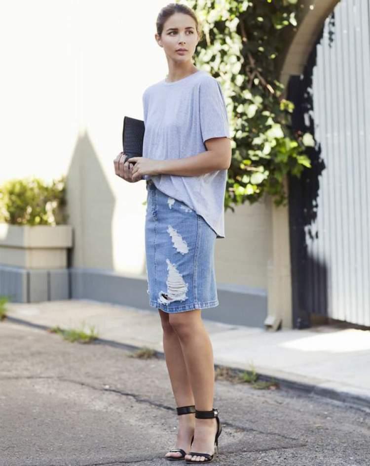 Saia jeans repaginada entre as tendências da moda evangélica 2018 que você vai querer usar