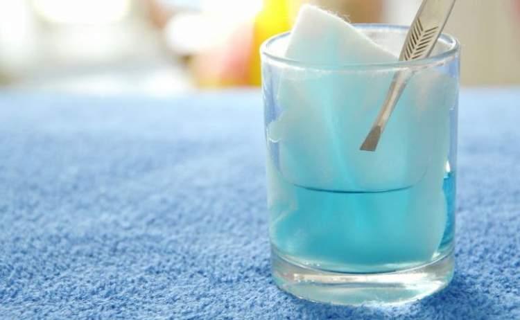 Água Oxigenada para tirar manchas de sangue