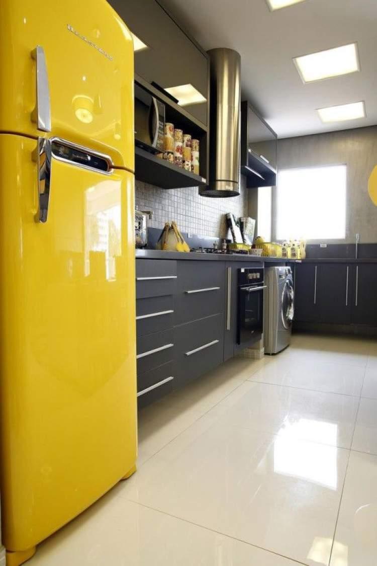 Contraste de cor na decoração da cozinha