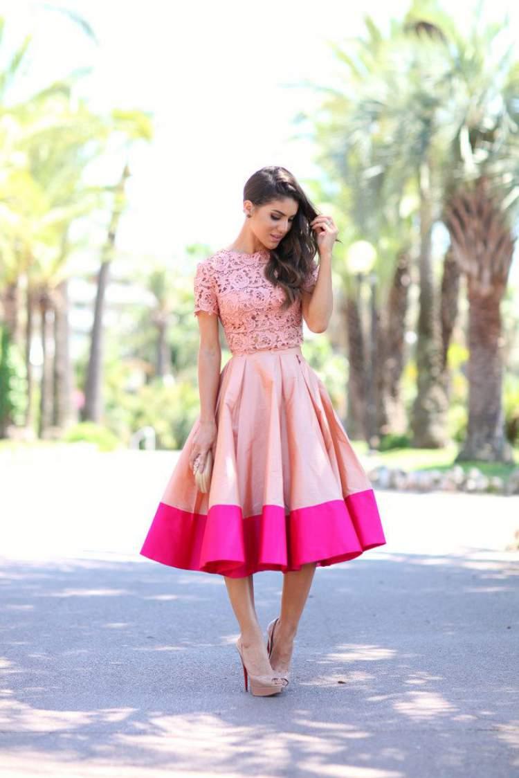 Vestido com as cores Pink Yarrow + Rosa Millennial