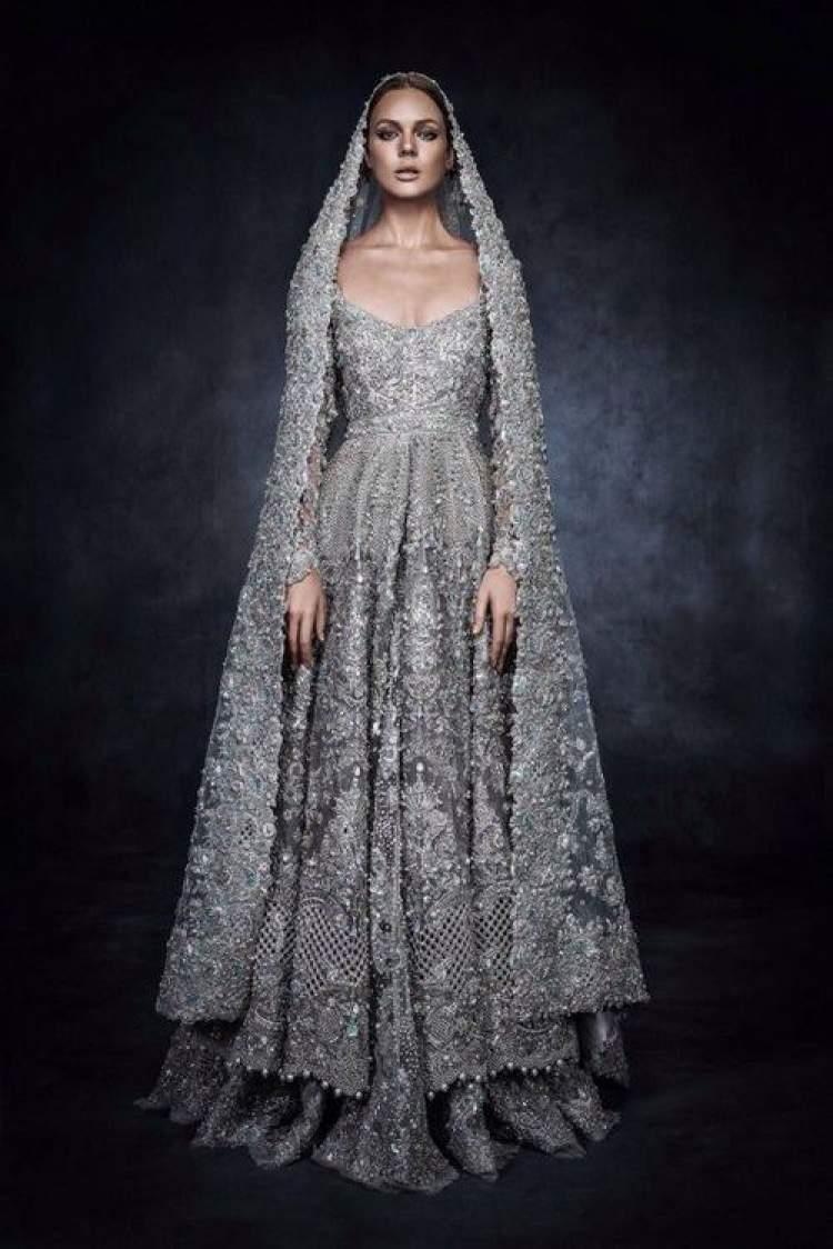 Vestido de Noiva com Inspiração Medieval