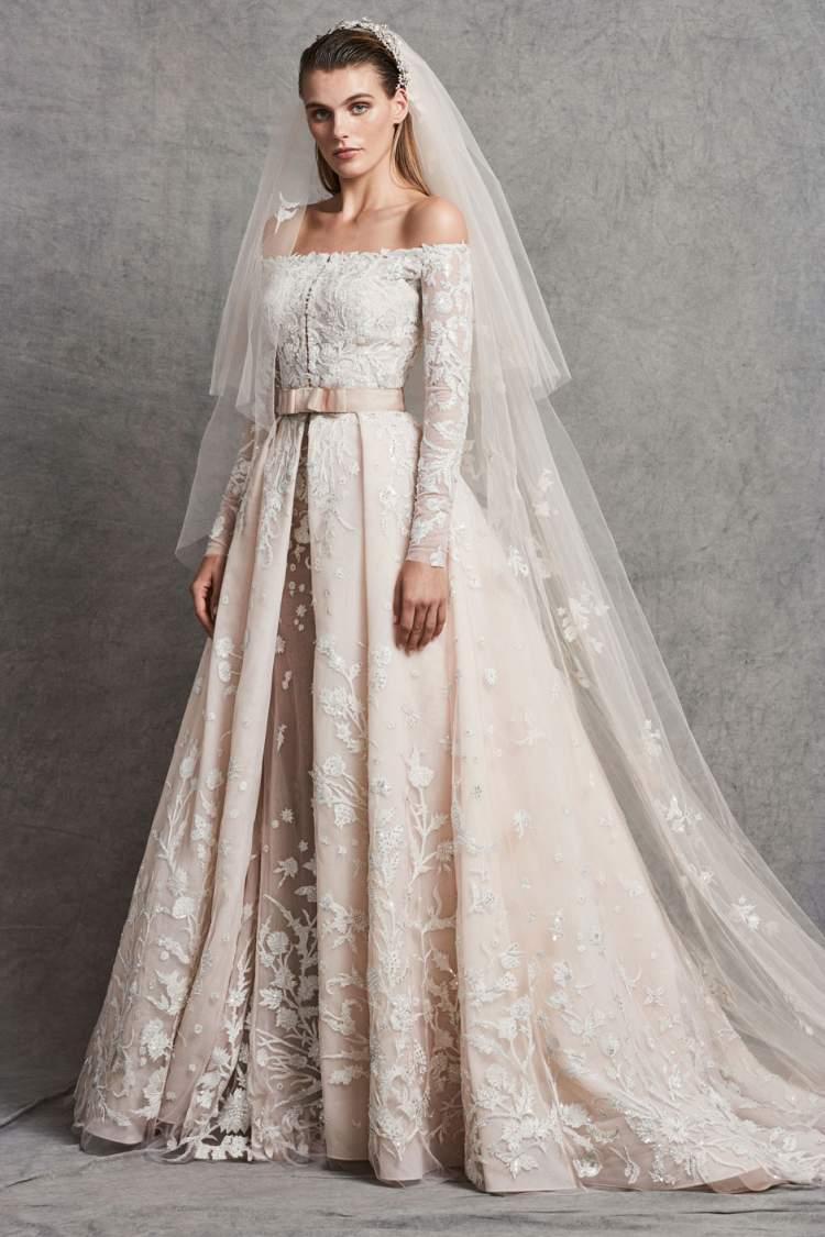 Vestido de Noiva Ombro a ombro com saia volumosa