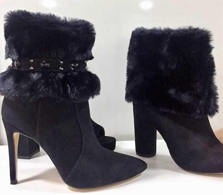 Botas com Faux Fur entre os modelos de botas que você vai querer usar no inverno 2018
