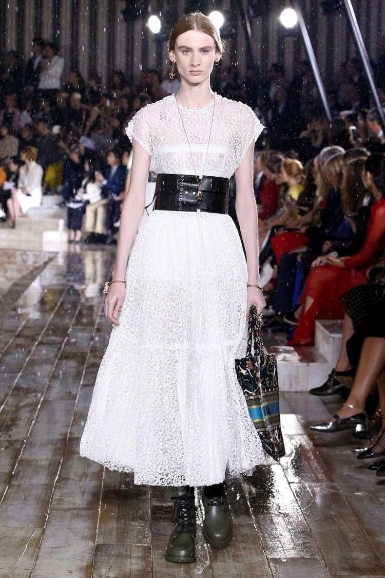 Cinto de couro é uma aposta da Dior para a moda 2019