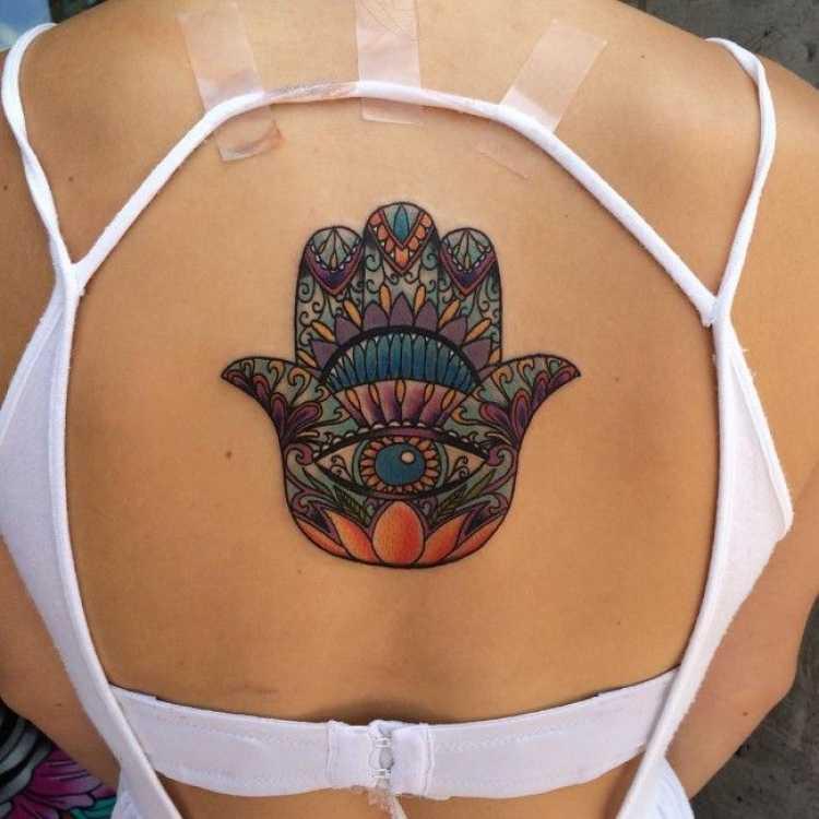 tatuagem grande nas costas
