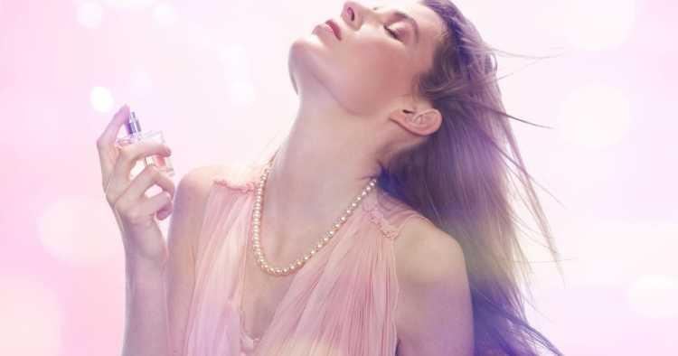Você sabe, quais são os perfumes femininos que deixam rastro e garantem que você seja notada?