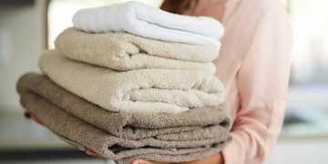 Truque caseiro faz toalha velha ficar nova