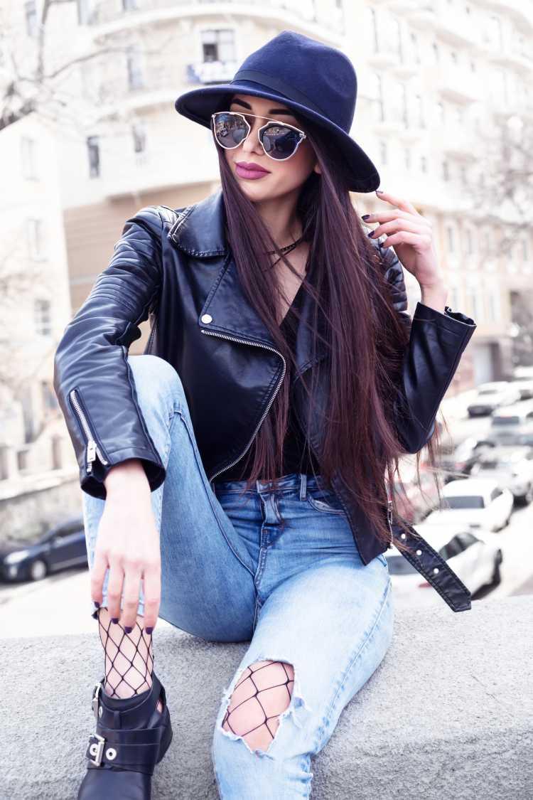 Como se vestir para ir a um show de rock com jaqueta de couro preta