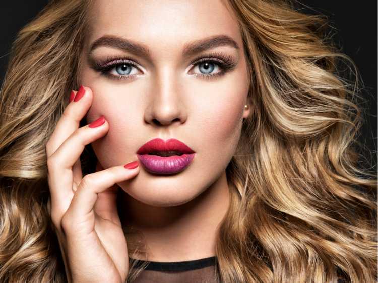 Maquiagem para sessão de fotos com batom vermelho degradê