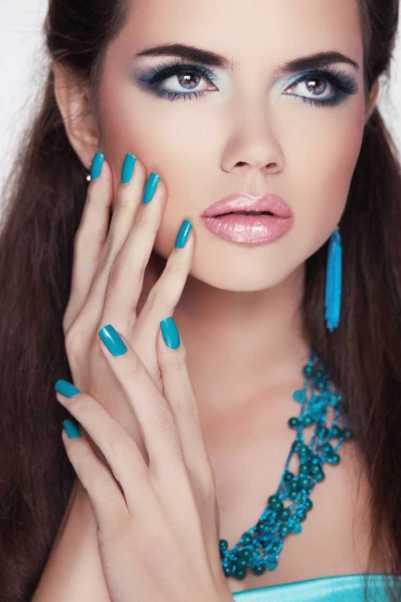 Maquiagem azul para convidada de casamento