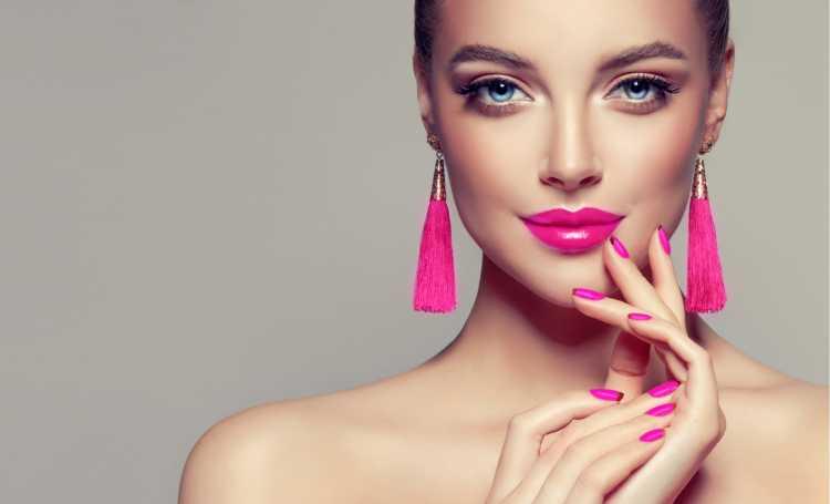 Maquiagem para convidada de casamento rosa