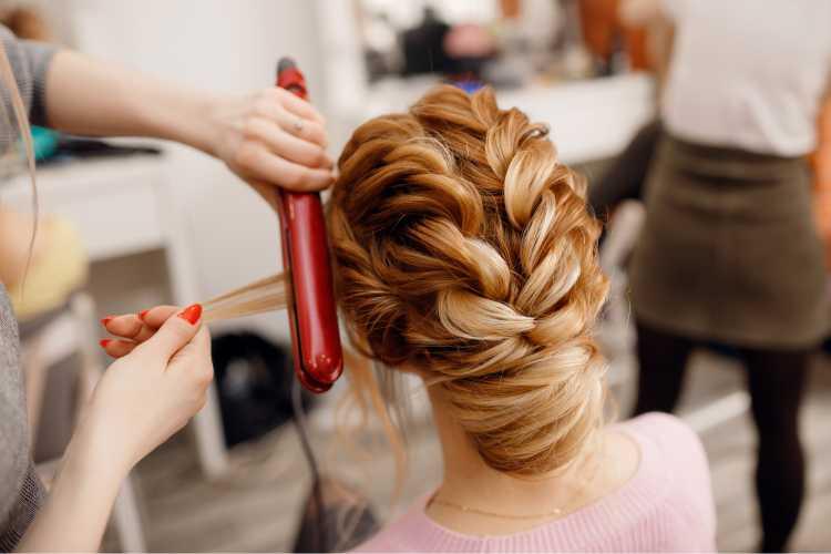 Penteados para mãe da noiva com trança espinha de peixe