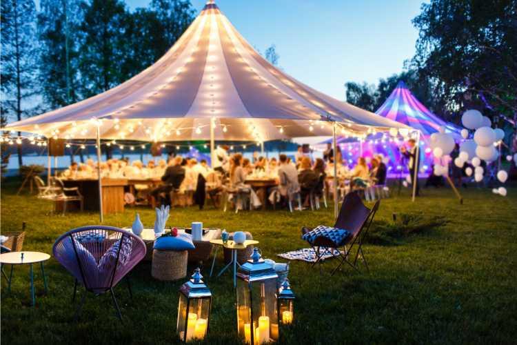 tenda para casamento no campo