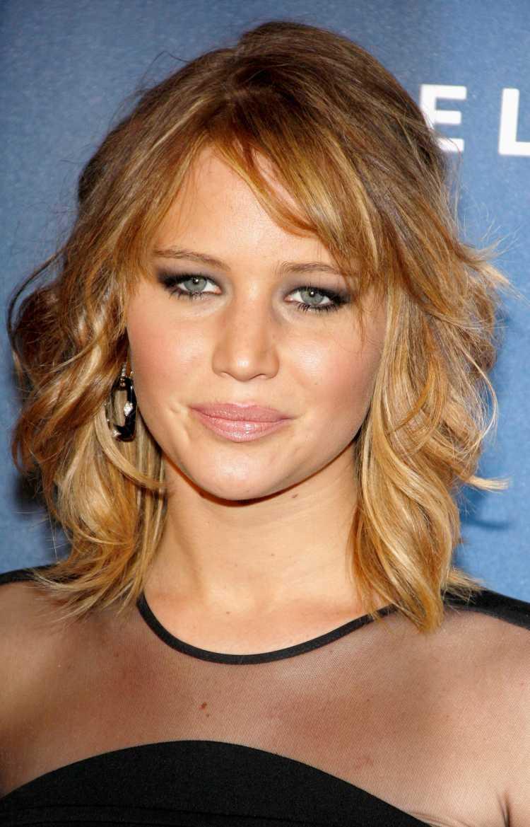 cortes de cabelo curto para rosto triangular
