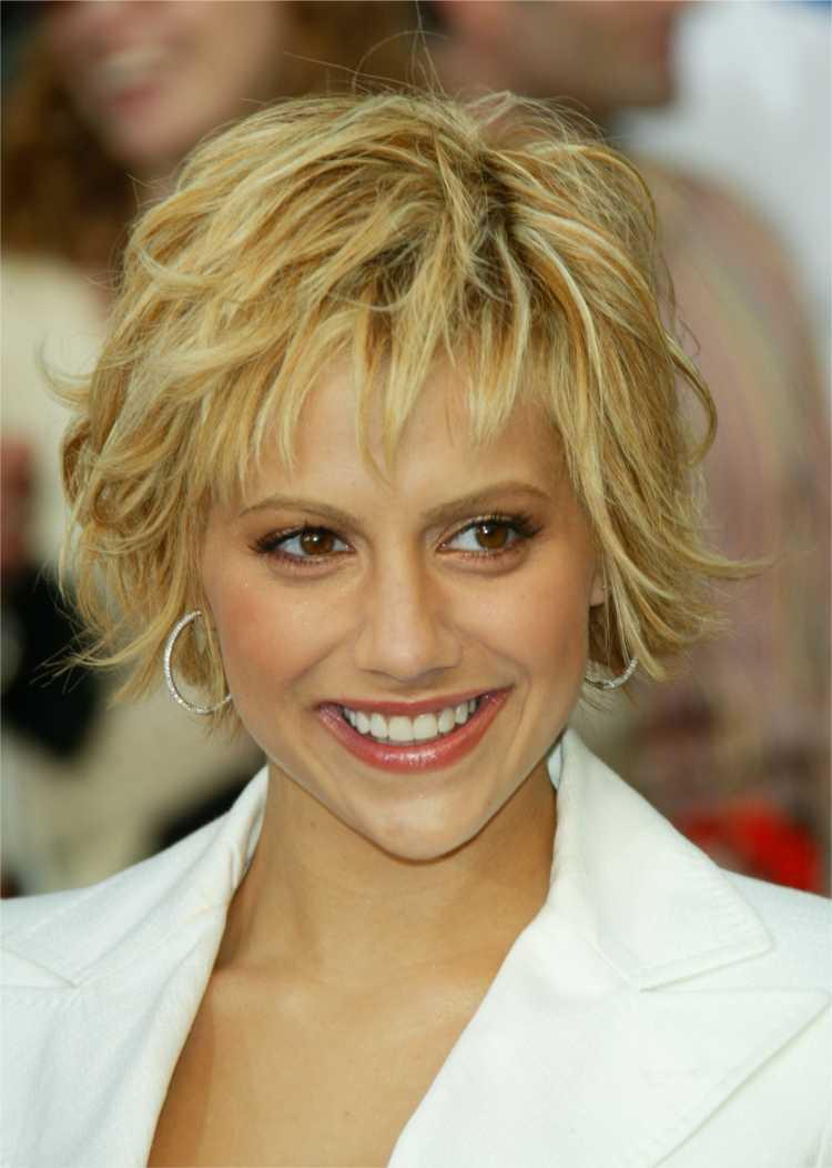 cortes de cabelos curtos estilo joãozinho para rosto triangular