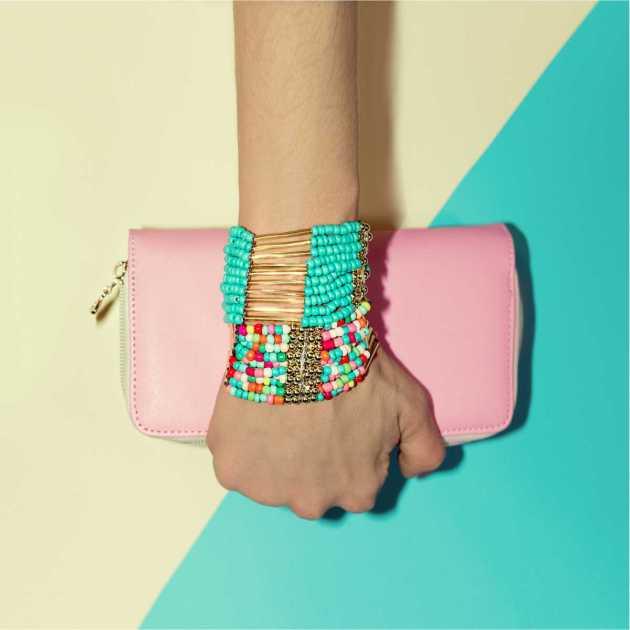 pulseirinhas coloridas são hit da moda para o verão 2020