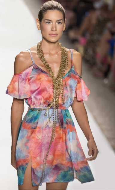 vestido estampado colorido curto
