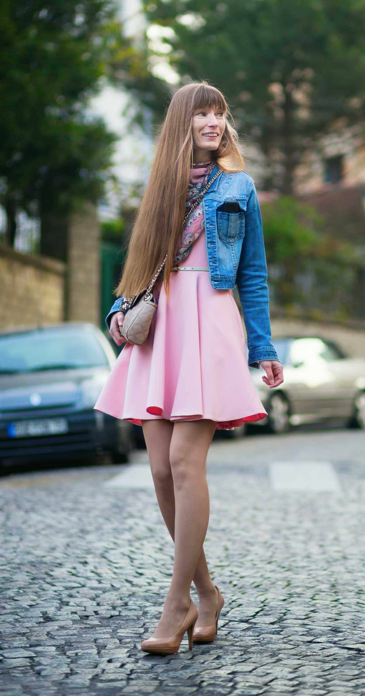 vestido curto com jaqueta