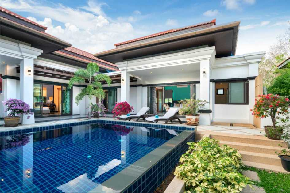 piscina pequena construída acima do piso