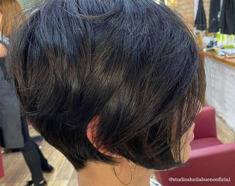 Corte Short Bob na Altura do Queixo